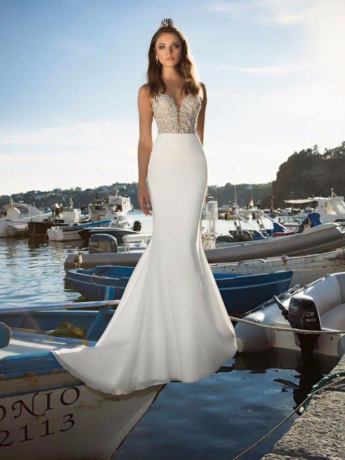 Robe de mariée : Julie Vino 2017 / robe sexy coupe sirène                                                                                                                                                                                 Plus