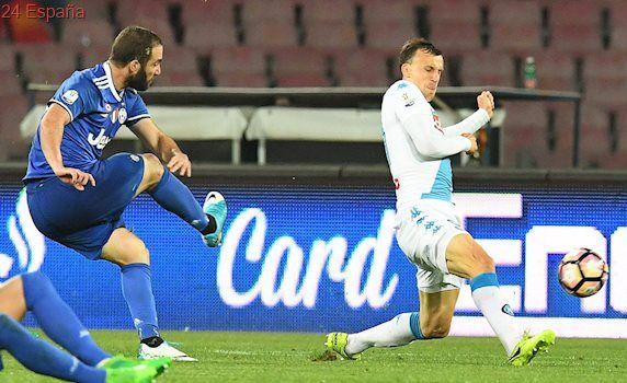Higuaín impide la remontada del Nápoles y mete a a la Juve en la final
