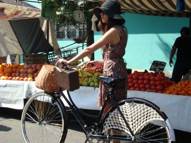 Restauraci n bicicleta de paseo a os 50 con guardafaldas y - Canastos de mimbre ...