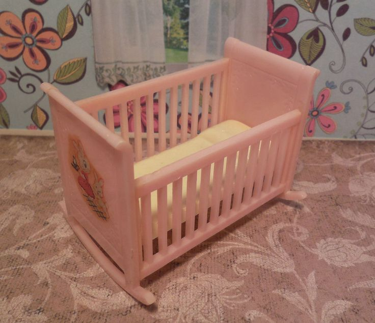 Renwal BABY CRADLE / CRIB Vintage Dollhouse Furniture Plastic Ideal Marx  Plasco