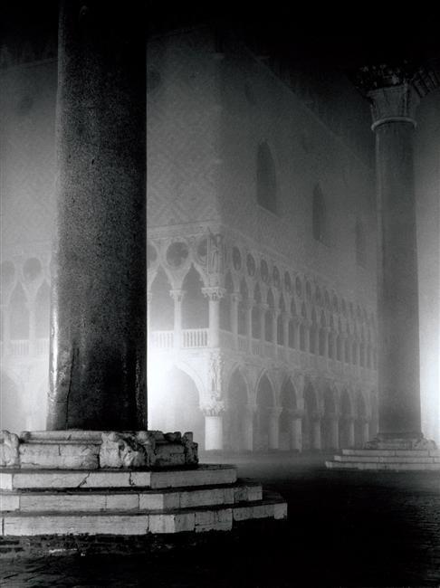 Vista d Piazza San Marco di notte Fratelli Alinari Firenze  Museo di Storia della Fotografia Fratelli Alinari