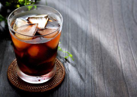 お茶のパックで簡単に作れる「水出しアイスコーヒー」レシピ。簡単に作れて、しかも後味スッキリなのです!