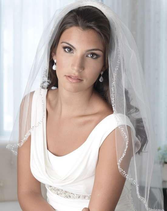 Veli da sposa 2017 - Velo con perline decorative