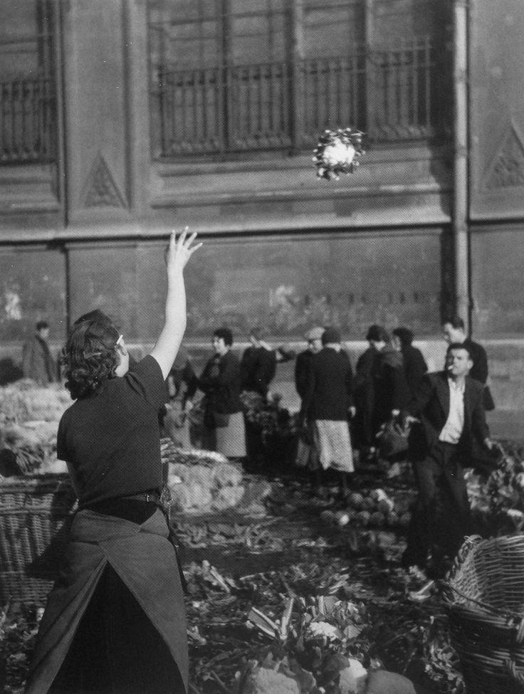 Les Halles Paris 1938 Photo: Willy Ronis