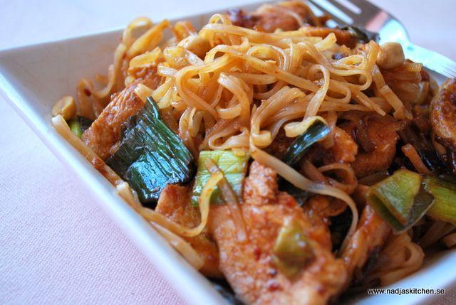 En lättlagad Phad Thai med kyckling och med de grönsaker du själv gillar. 9 sp/portion