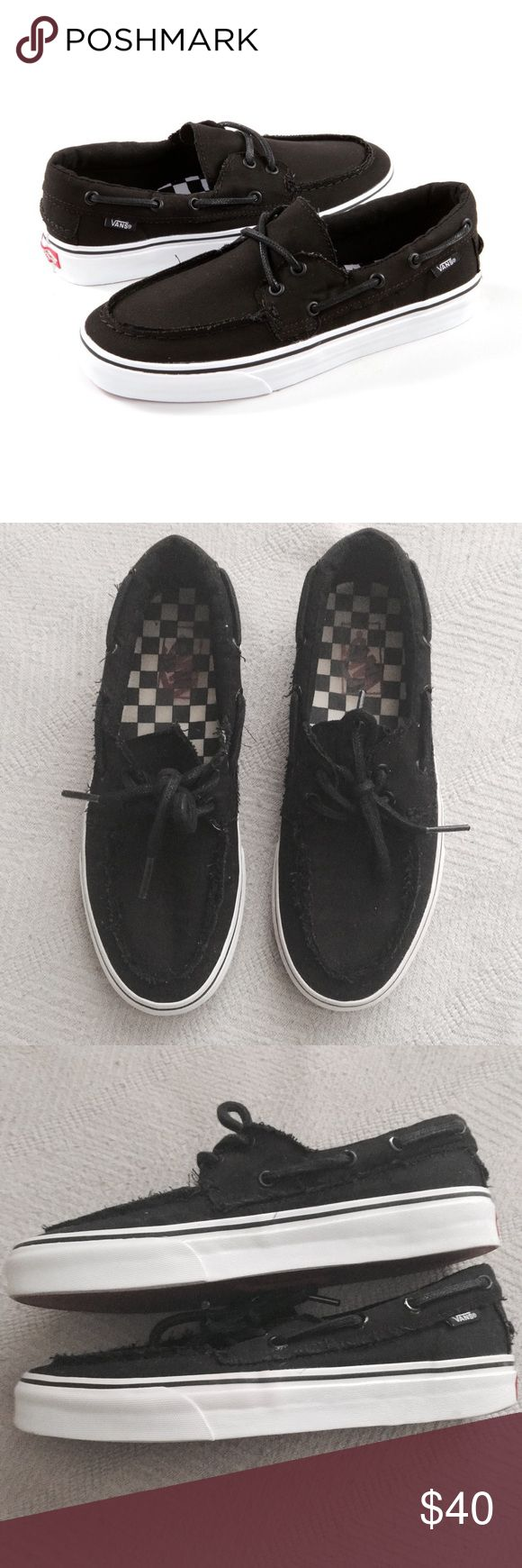 Men's Vans Zapato Del Barco Casual Slip On Sneaker Unisex. Men's 8 or women's 9.5. Traditional boat shoe. Frayed edges. In excellent pre owned condition, like new.   •USE OFFER FEATURE TO NEGOTIATE  •BUNDLE TO SAVE  •NO OUTSIDE TRANSACTIONS •NO TRADES Vans Shoes Sneakers