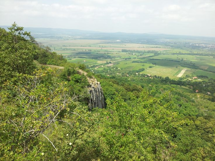 Kilátás a Szent György-hegyről Bazaltoszlopok