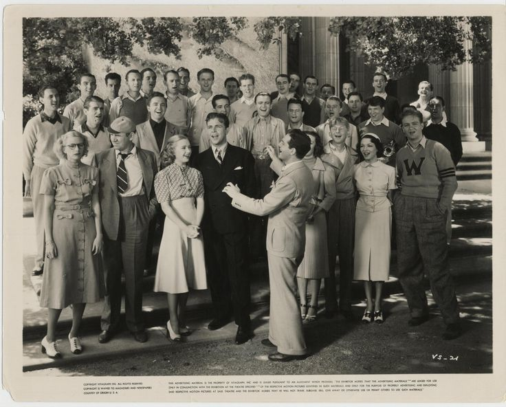 Priscilla Lane, Rosemary Lane, Dick Powell, and Fred Waring and His Pennsylvanians in Varsity Show (1937) http://www.movpins.com/dHQwMDI5NzI1/varsity-show-(1937)/still-1861161728