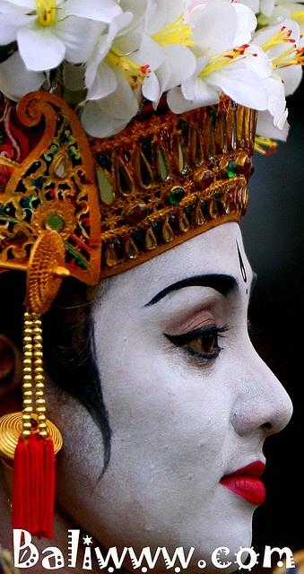 beauty of balinese dancer