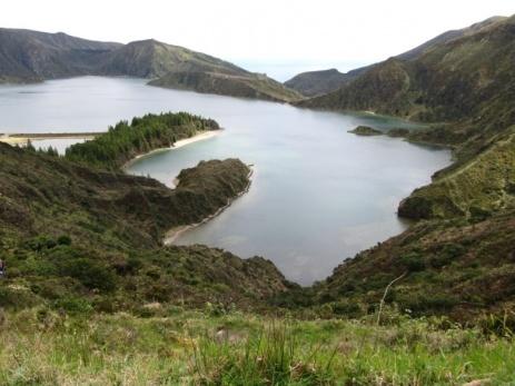 Açores nature: http://www.naturescanner.nl/europa/portugal/azoren-vakantie