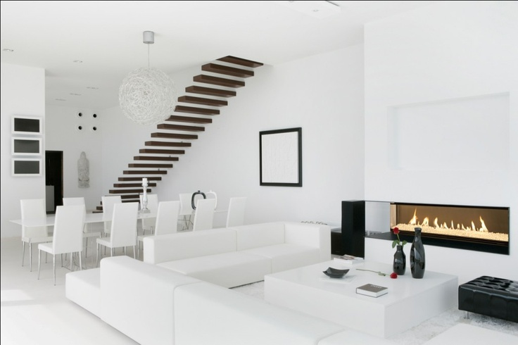 int rieur blanc avec chemin e gaz bodart gonay white interior wih a gas fireplace bodart. Black Bedroom Furniture Sets. Home Design Ideas