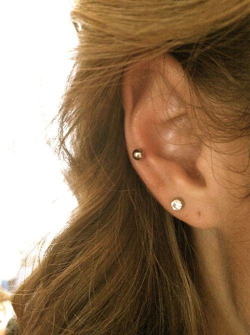 auricle piercing (middle cartilage)...maybe?
