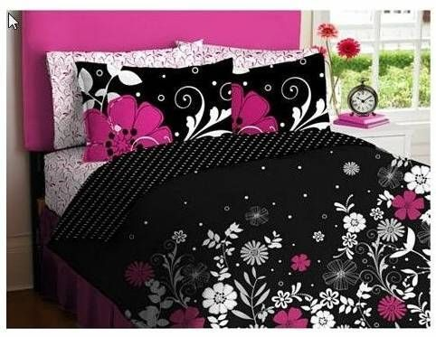 Black and pink bedding for tweens, teens and adults... nice choice here for yourself, your daughter or your guest room.