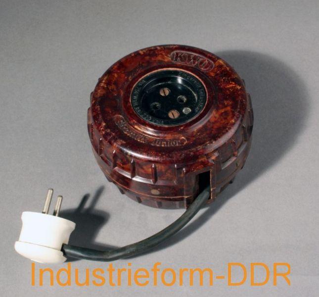 » Industrie / Handwerk / Hobby Kabel-Aufroller Stromfix junior; Hersteller: VEB Kabelwerk Oberspree, Berlin, 1950er Jahre; Werksentwurf