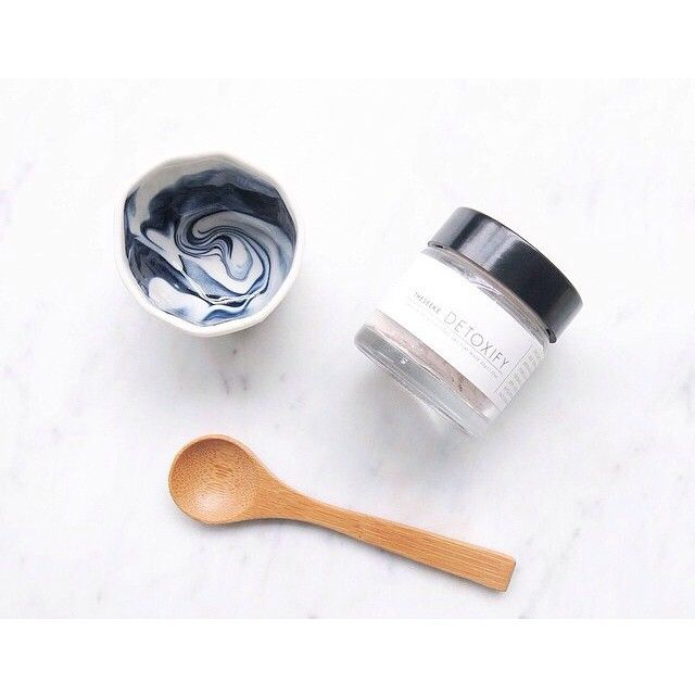 SnapWidget | So excited about the new wonderful natural products by @theseeke including this Milly Dent x The Seeke Clay Mask Gift Set my fav is the hydration spray
