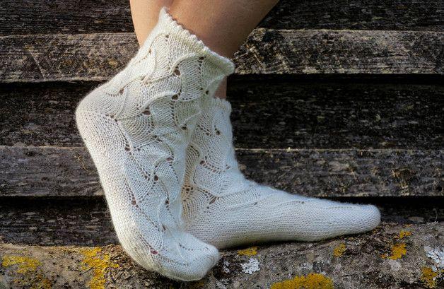 Socks – Beige hand knit socks, Size 39 – a unique product by Saniboutique on DaWanda