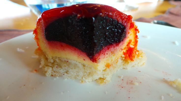 Ahabi, koko, mango eta kremazko postrea. Postre de mango, arándanos,coco y crema. Creamed dessert with mango, coconut and blueberry. #AzurmendiPretAPorter