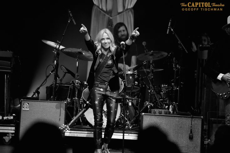 """Sheryl Crow Live In New York - Stereo Embers Magazine  