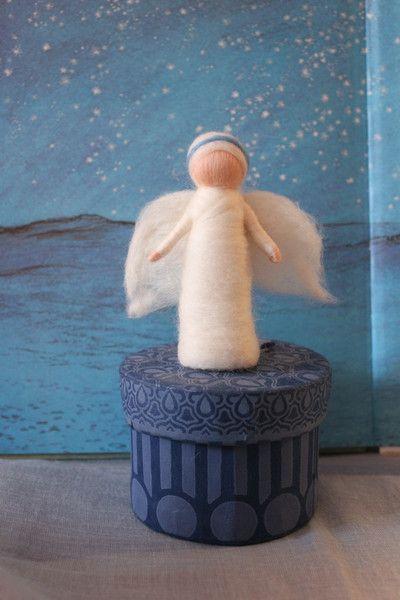 kleiner Engel,Weihnachtsengel,Engel von Jalda auf www.Dawanda.com/Shop/Jalda-Filz #DIY # Weihachten #Schutzengel #Engel #Glücksbringer