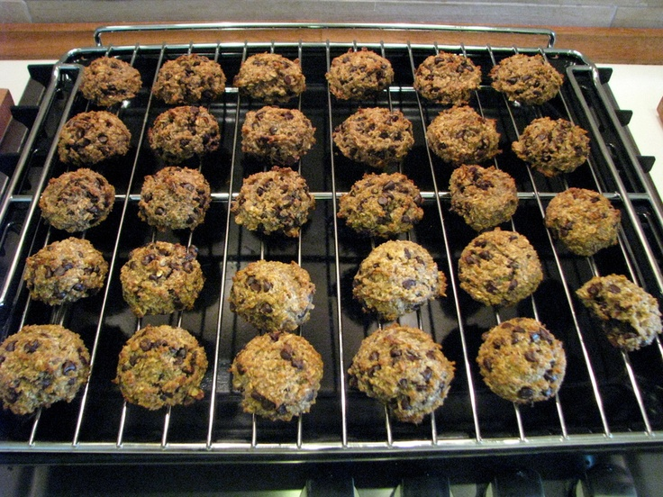 "Thermomix: ""Healthy"" Cookies. Could reduce the chocolate, change to coconut oil and spelt grains."