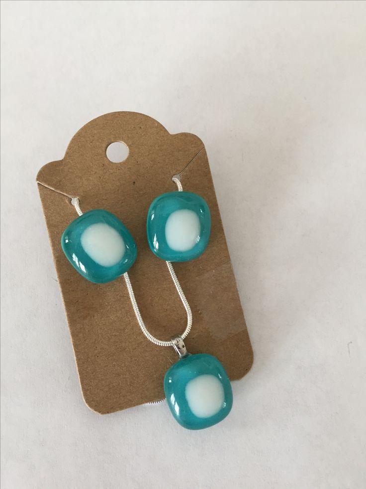 Bijoux, boucles d'oreille et collier en verre fusionné / fused glass