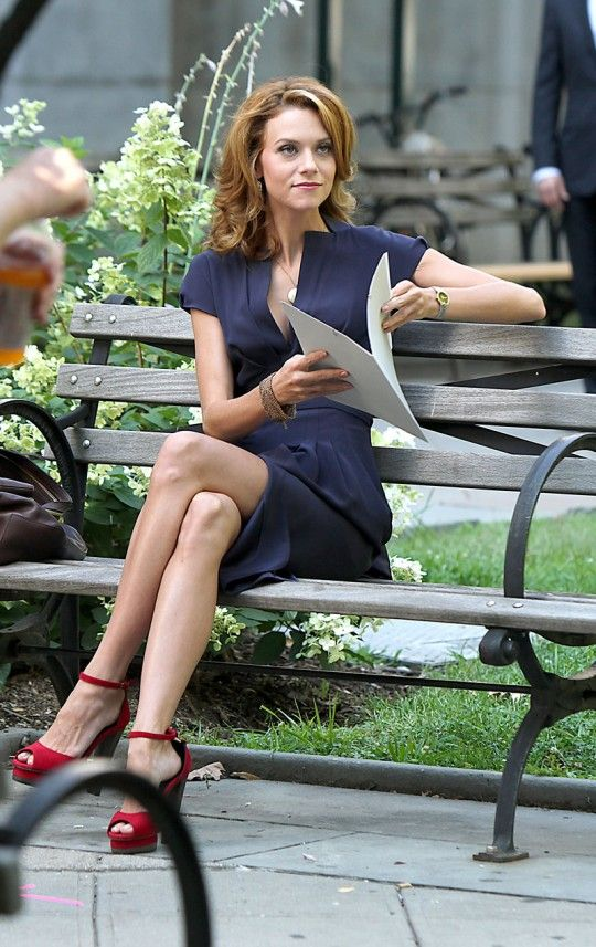 Hilarie burton/ Sarah's wardrobe on White Collar is always perfection