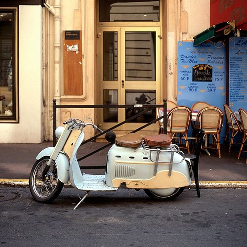 omg. a vespa made for two?
