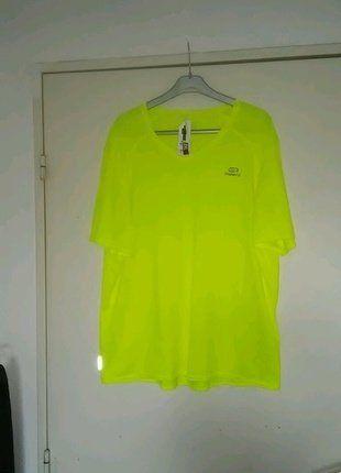 À vendre sur #vintedfrance ! http://www.vinted.fr/mode-hommes/vetements-de-sport-hauts-and-t-shirts/27275502-t-shirt-club-running-run-dry-kalenji-t-xxl