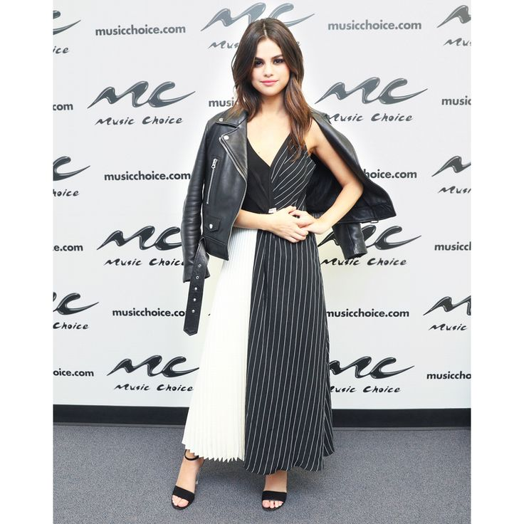 In Shaina Mote Dress And Louis Vuitton Shoes - At Music Choice in New York City, 2017