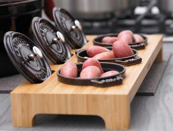 Le présentoir à mini cocottes est un accessoire de table très élégant pour présenter vos entrées, vos plats ou vos desserts. #Artdelatable