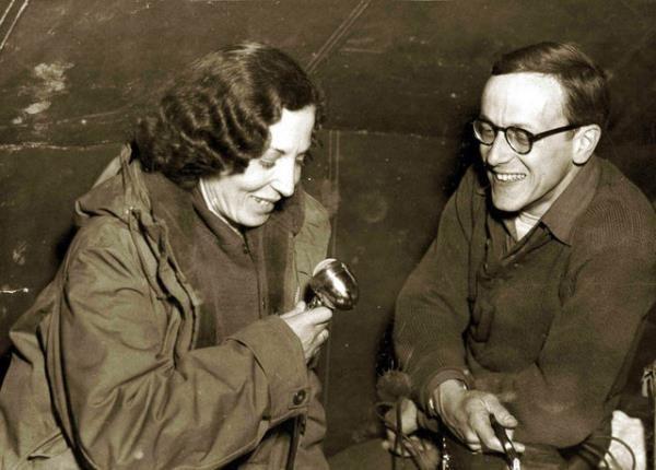 Semiha Es  İlk kadın SAVAŞ FOTOĞRAFÇISI  1950