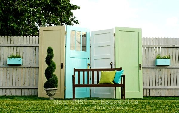Love it.  Set up : doors hinged together.  Could do bright colors or dark tones.