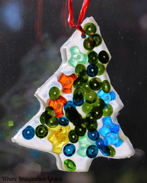 Glue Suncatchers An Easy Christmas Tree Ornament Craft