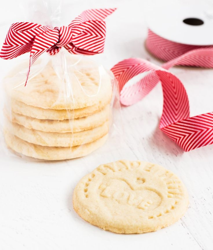 Make Santa stamp cookies for Christmas. This recipe makes thick and light sugar cookies using Crisco shortening #ad #BakeItBetter #SantasFavoriteCookie