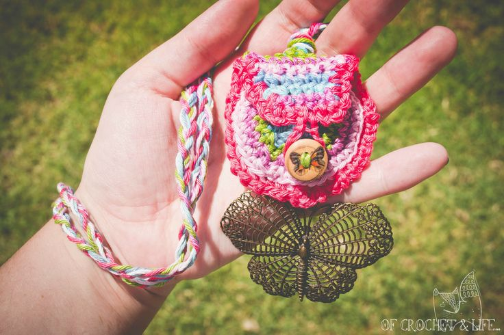 Crochet Medicine Bag Pattern : 35 best images about First Nations Arts and Crafts on ...