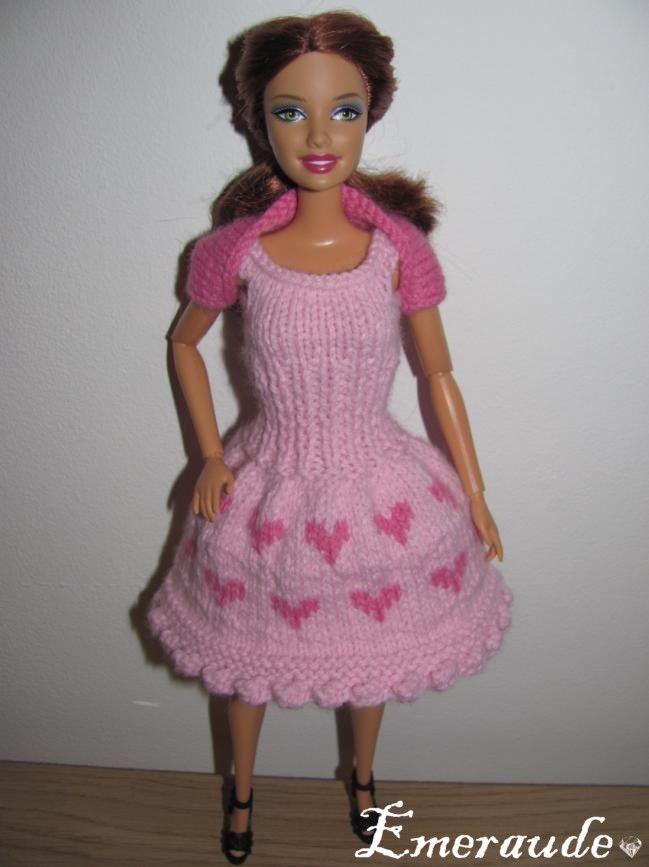 Tricot: Saint Valentin n°1 pour Barbie | Robe barbie, Comment tricoter, Tenues barbie