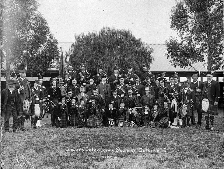Members of the Donald Caledonian Society Gathering in 1910.