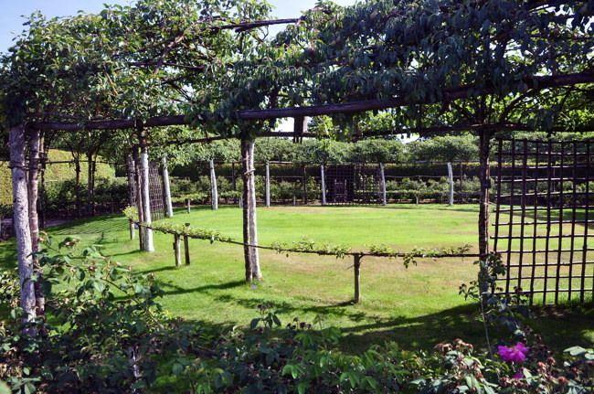 Jardin du Prieuré Notre Dame dOrsan France