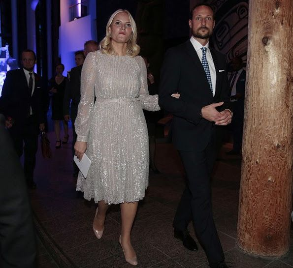 On November 7, 2016, Crown Prince Haakon of Norway and his wife Crown Princess Mette-Marit visited the Canadian Museum of History in Gatinueau, Ontario. Crown Prince Haakon and Crown Princess Mette-Marit will be visiting Ottawa, Toronto, and St. John's, Newfoundland and Labrador (island) in a state visit from November 7-10.
