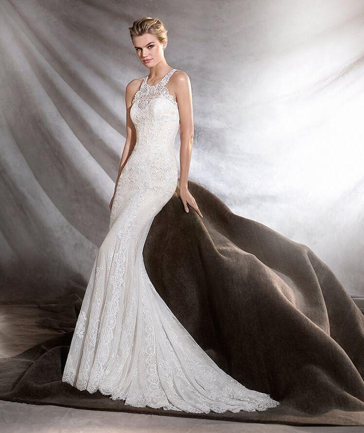 Osini, lace halter neck Pronovias wedding dress #weddingdress