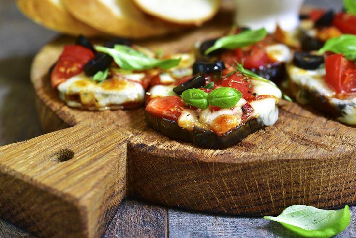 Melanzane al forno con pomodoro e mozzarella, la ricetta  http://feeds.blogo.it/~r/Gustoblog/it/~3/t3vMneevZS4/melanzane-al-forno-pomodoro-mozzarella-ricetta