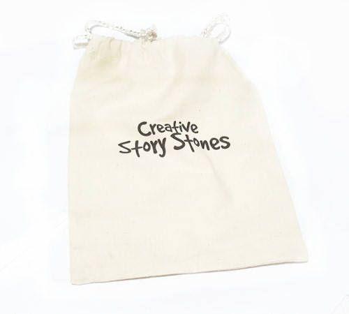Houd uw verhaal stenen samen en veilig met één van onze aangepaste creatieve verhaal stenen Drawstring zakken. Deze Katoenen tassen meten 21 x 16.5 cm. Handgemaakt in India en verzonden vanuit Australië