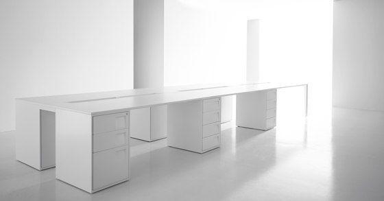 Sistemas de mesas | Sistemas de mesas | Mahia | Famo | Aitor. Check it out on Architonic