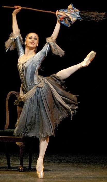 "Royal Ballet's Cinderella -- I love ""story ballets."" #PintoWin #NapoleonPerdis #Cinderella"
