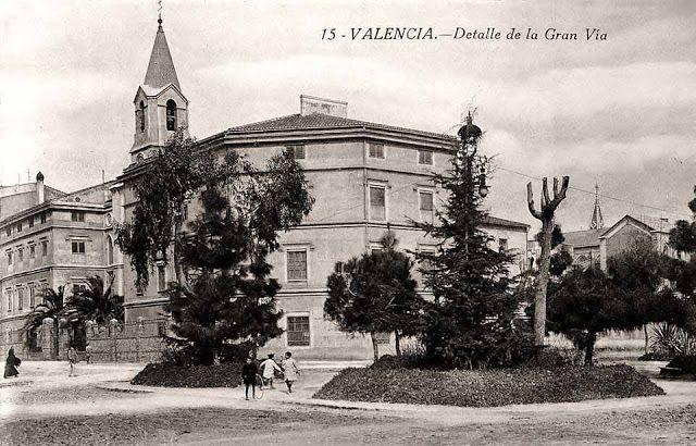 1.920 Desaparecido Convento e Iglesia de Las Adoratrices en el cruce de la Gran Vía Marqués del Turia y la calle Hernán Cortés.