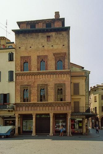) Mantua: Casa di Giovanni Boniforti