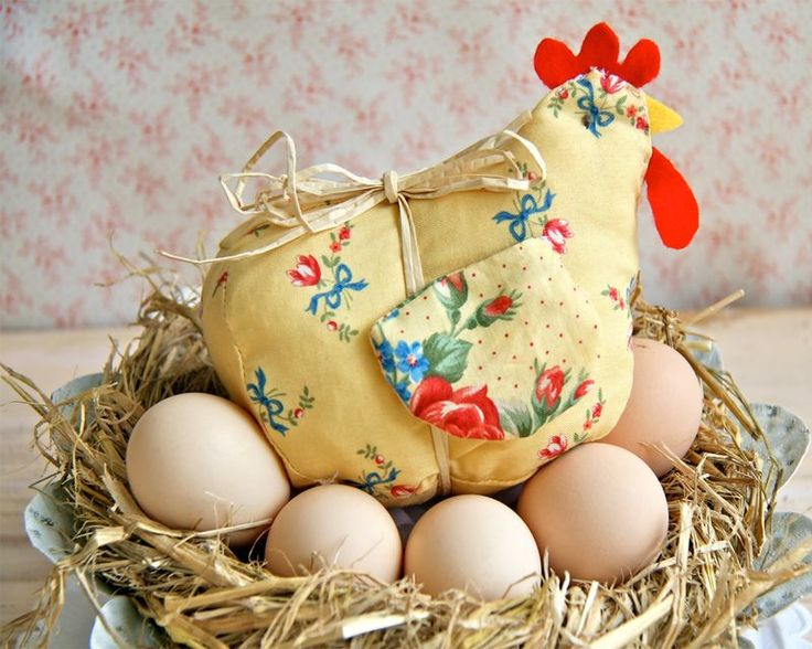 Laverne, Another Easter Chicken- Free pattern & instructions  Free ...