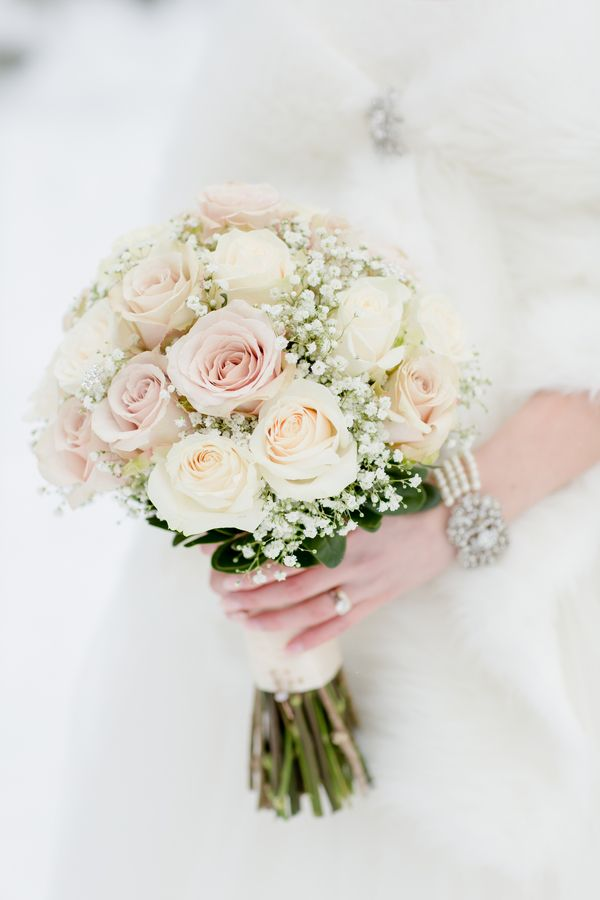 Blush & Ivory Winter Wedding Bouquet|Blush & Ivory Chateau Lake Louise Winter Wedding|Photographer: ENV Photography