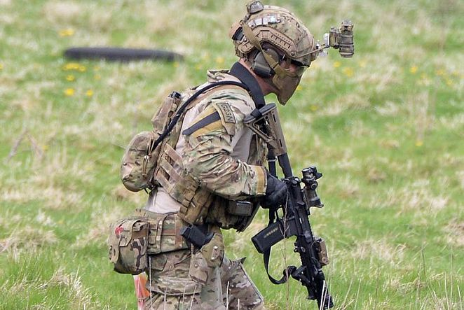 """Photo 1: British Soldiers from 1 Lancs training with The French foreign legion on the Otterburn ranges. Photo 2: 3 Para preparing for a training Exercise Photo 3: British Special Forces, presumed S.A.S Photo 4: British army infantry is pictured. A joint forces operation in 2016 called """"Noble Partner"""" ———————————————————————————————————————————————— Partners: @british_armed_forces_things @british_military_stuff @all_things_sas @internet_safety_enforcer @royalbritishforces @bluelightacad..."""