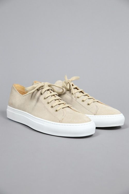 TOURNAMENT LOW IN WAXED SUEDE OFFWHITE #CommonProjects #FW15 #Shoes #Sneaker #chaussures #beige 290€